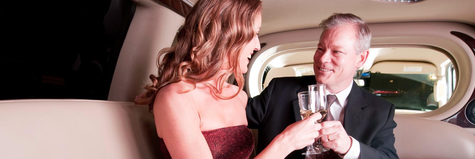 Sex für Ältere: Ob mit einer Luxus-Escortlady oder klassisch im Puff: Ältere Gäste sind gern gesehene Kunden.
